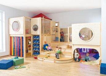 spiel und schlafburg schlafen kuscheln raumkonzepte kinder unter 3 wehrfritz gmbh. Black Bedroom Furniture Sets. Home Design Ideas